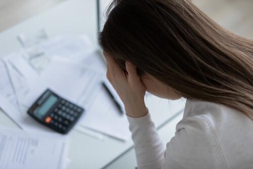 鑑定料が税抜き表示の場合もアリ